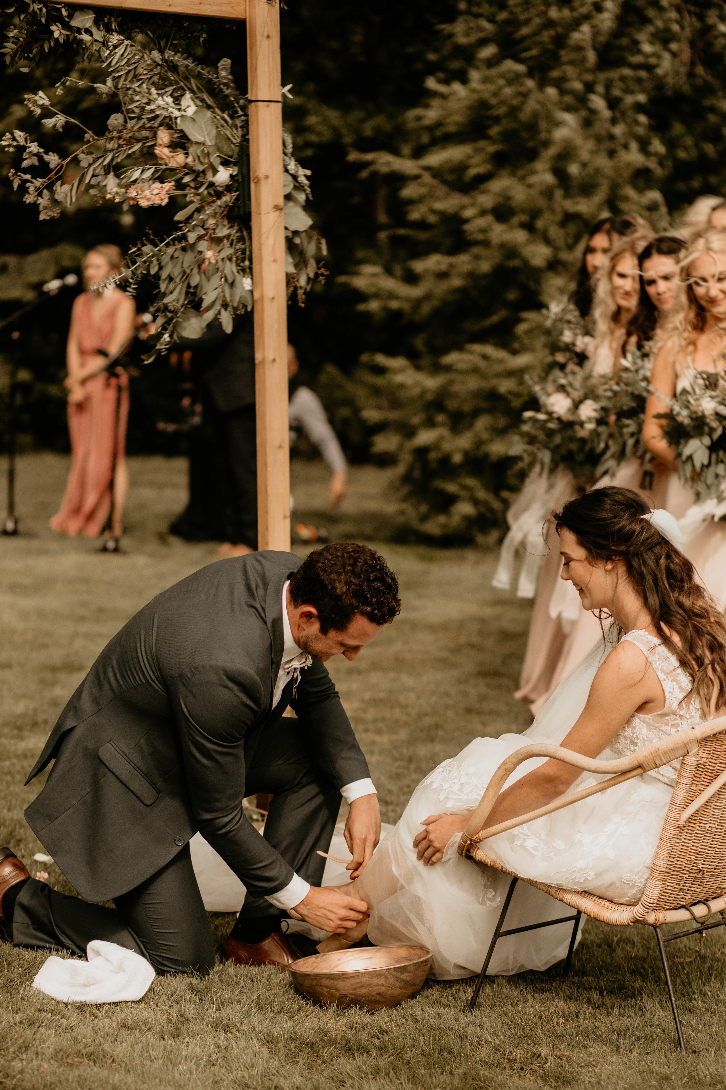 Hotel Blackwell - coeur'd'alene elopement - coeur'd'alene wedding photographer - coeur'd'alene wedding photos - coeur'd'alene Tubbs hill hike - coeur'd'alene Tubbs hill wedding - coeur'd'alene elopement photographer - coeur'd'alene Idaho - Idaho elopement - Idaho wedding photographer - coeur'd'alene hotel Blackwell