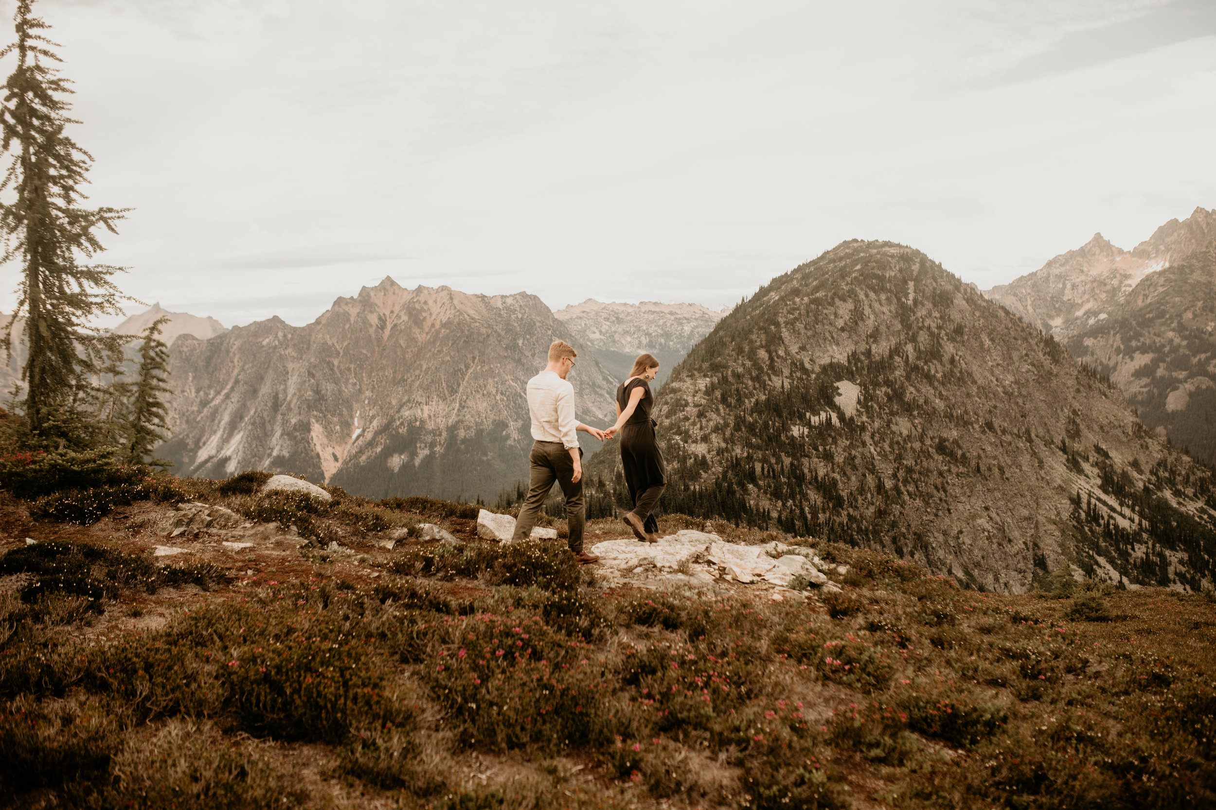 Diablo lake engagement photos -Ross lake engagement photos - Seattle elopement photographer - north cascades hike - best hike north cascades - best engagement photo location - what to wear to your engagement photos - best pnw elopement photographer