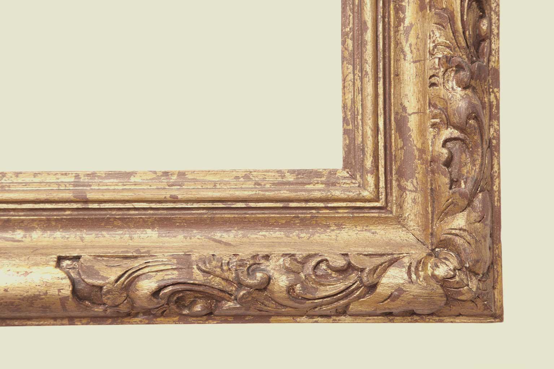 Ornate closed corner frame