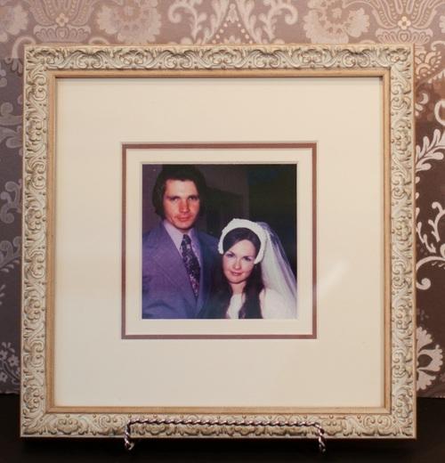 29_wedding-photo-white-shabby-ornate-framing.jpg
