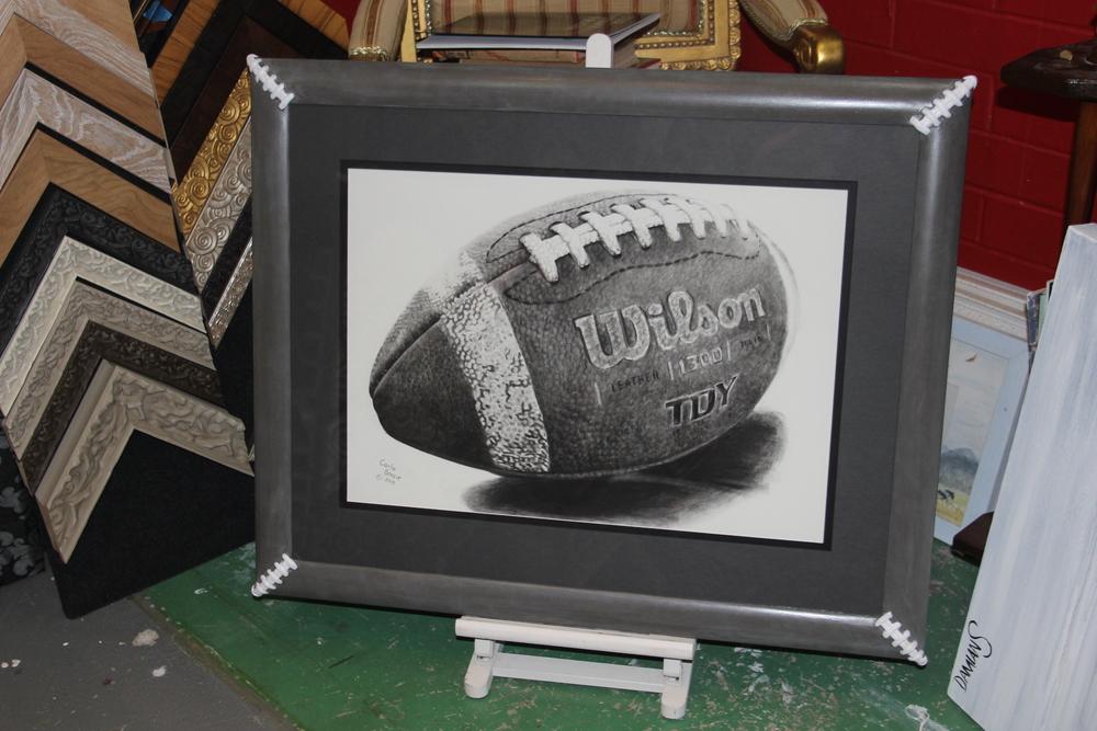 Handfinished Artis pura design Football frame