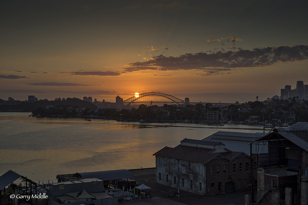 Sydney sunrise over Bridge 2.jpg
