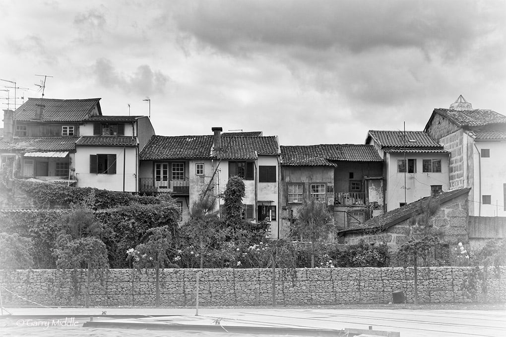 Guimarães shacks high contrast 2.jpg