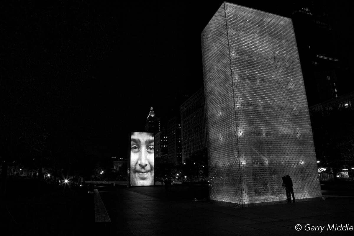 small_copyright_Night kiss Chicago B&W.jpg