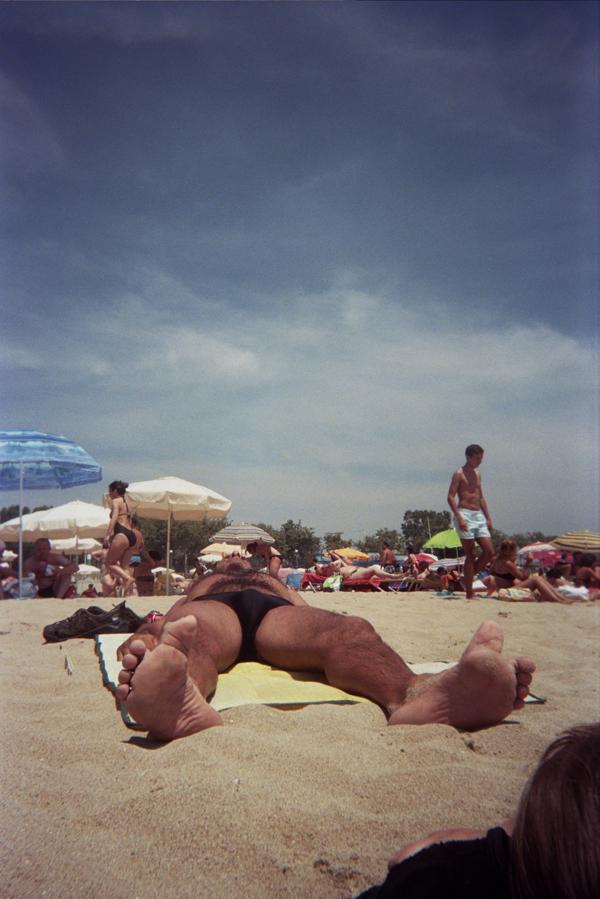 beachcrazytoes.jpg