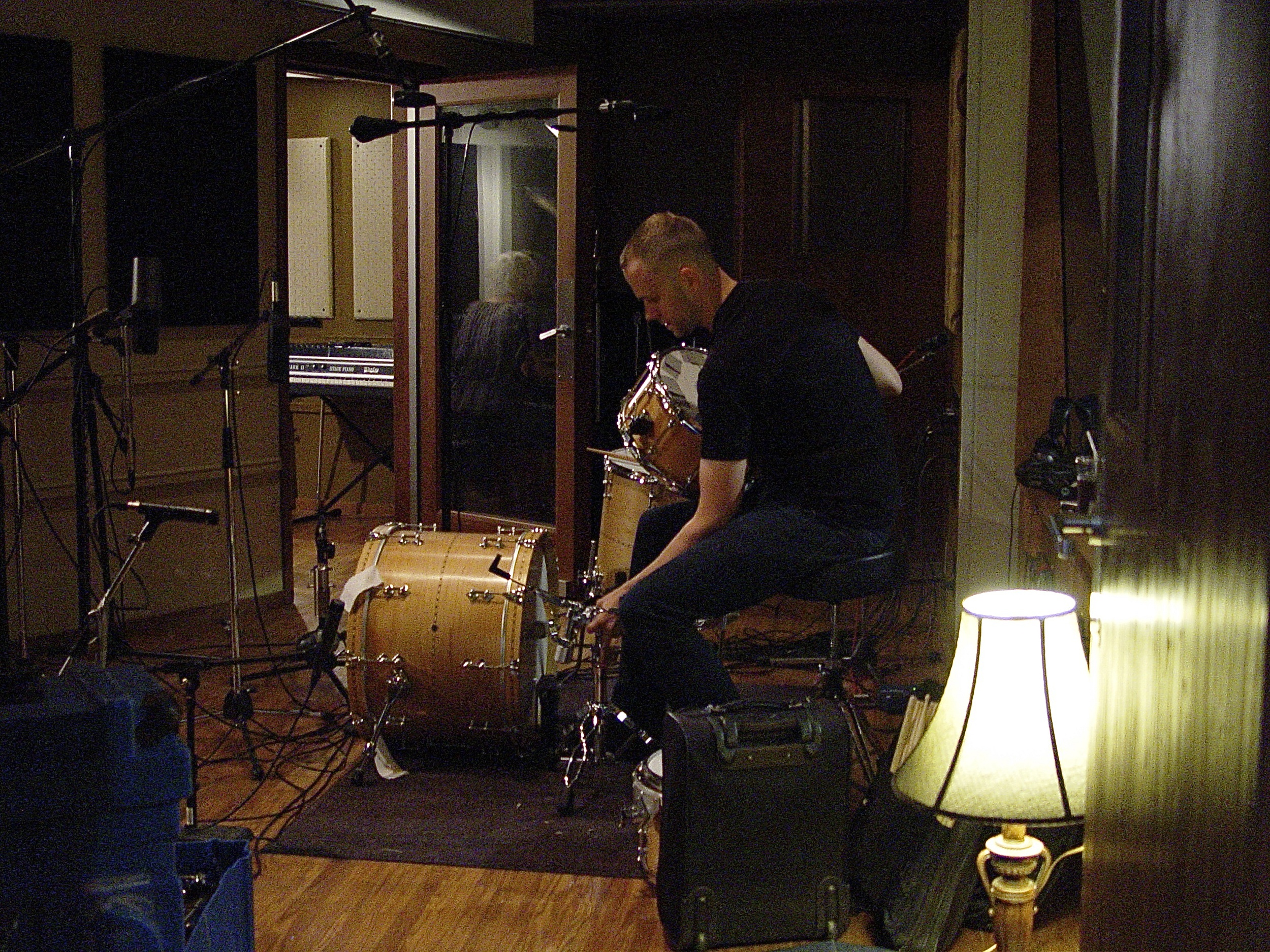Jerry Roe on drums