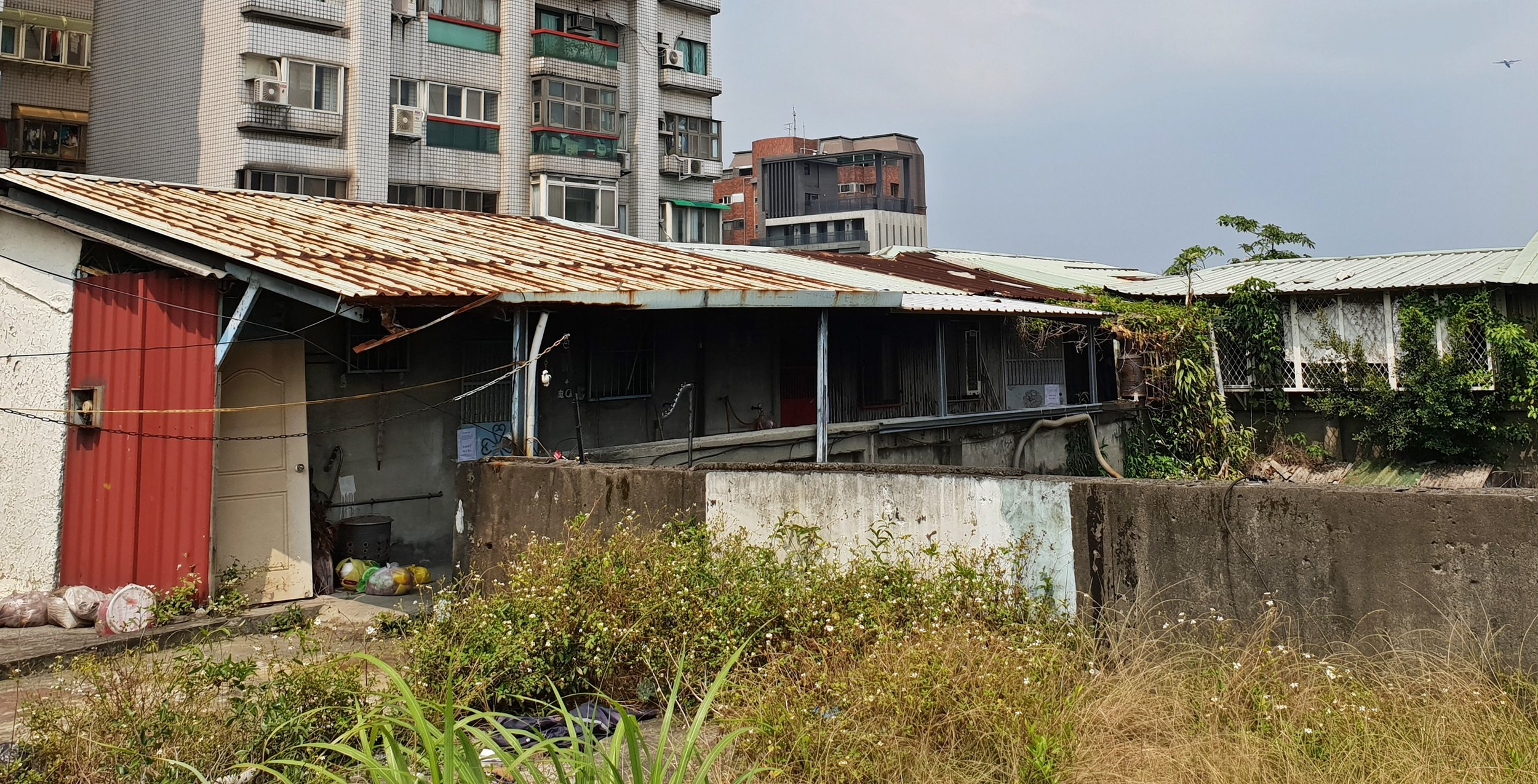 Informal housing on the roof at Lanzhou