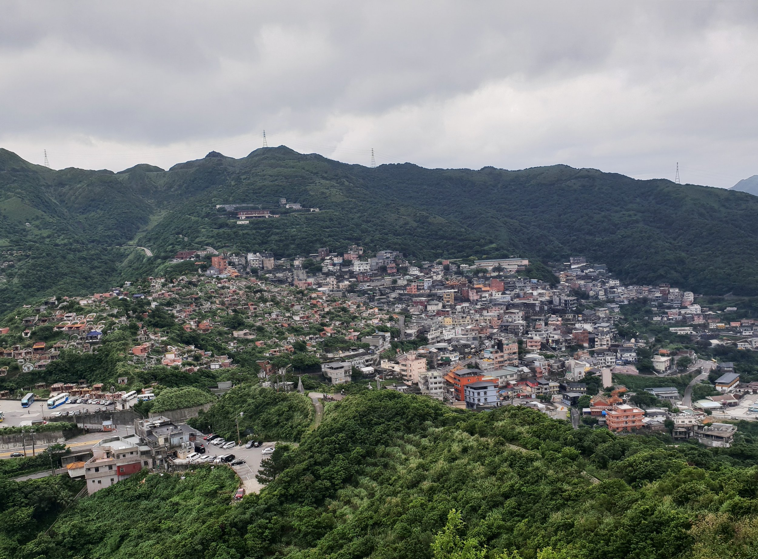 Jiufen town and its large cemetery