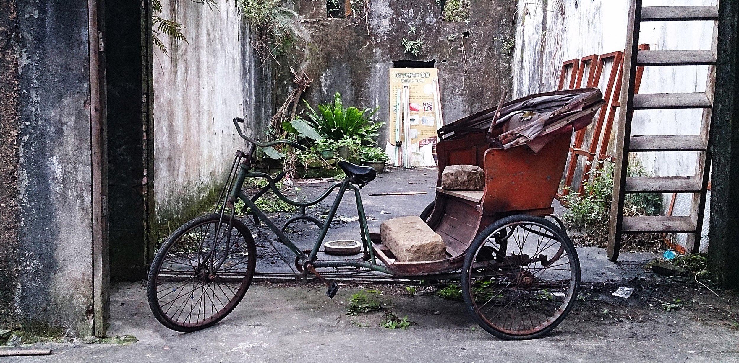 Old pedicab