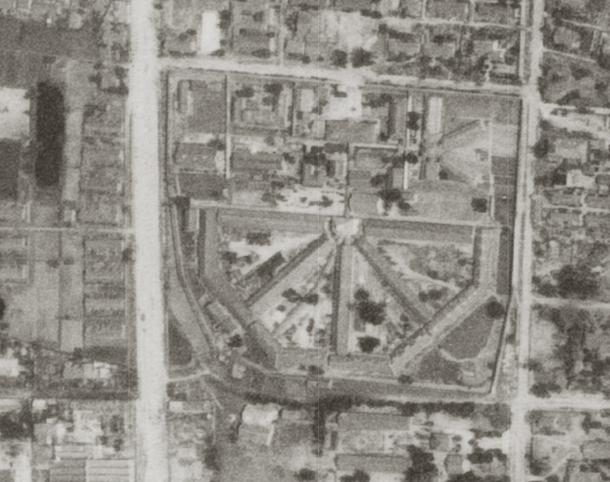 The prison in 1948. The preserved part is the tall structure at the hub of the cell blocks.