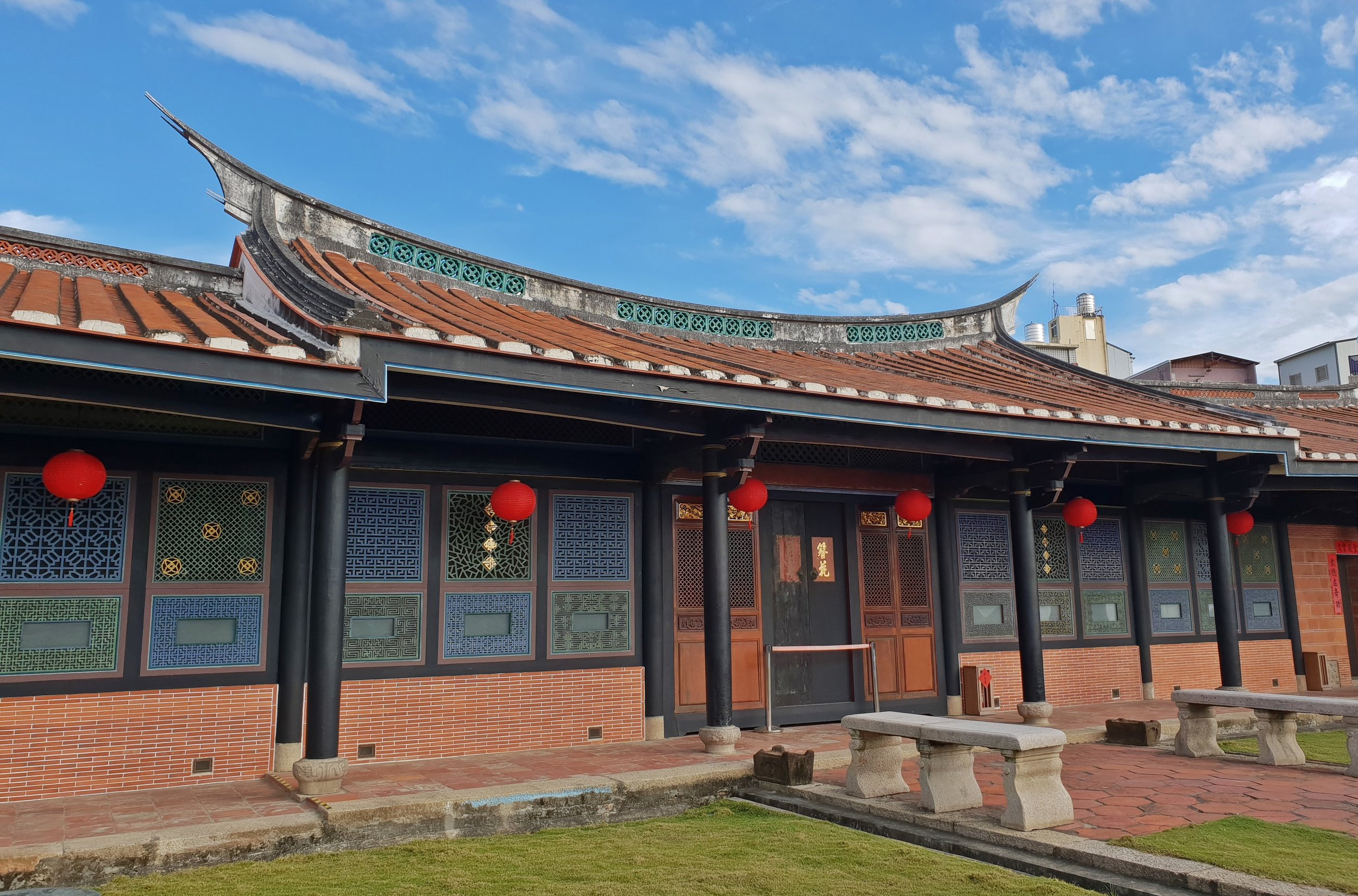 One of the structures in the Gong-Bao Di Hall