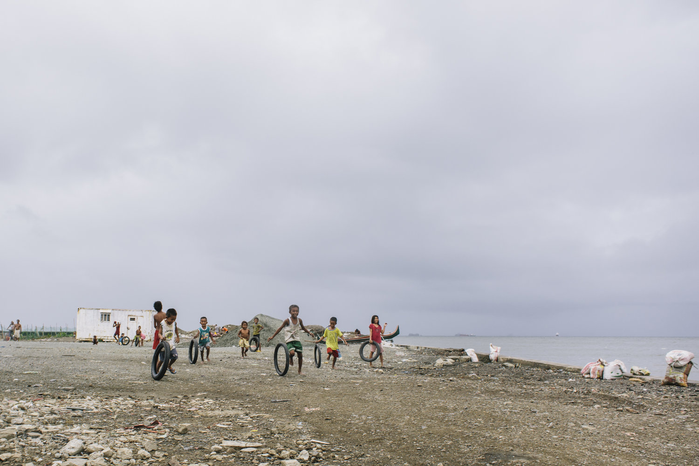 Manila+-+slums-ruins+8.9.15-415.jpg