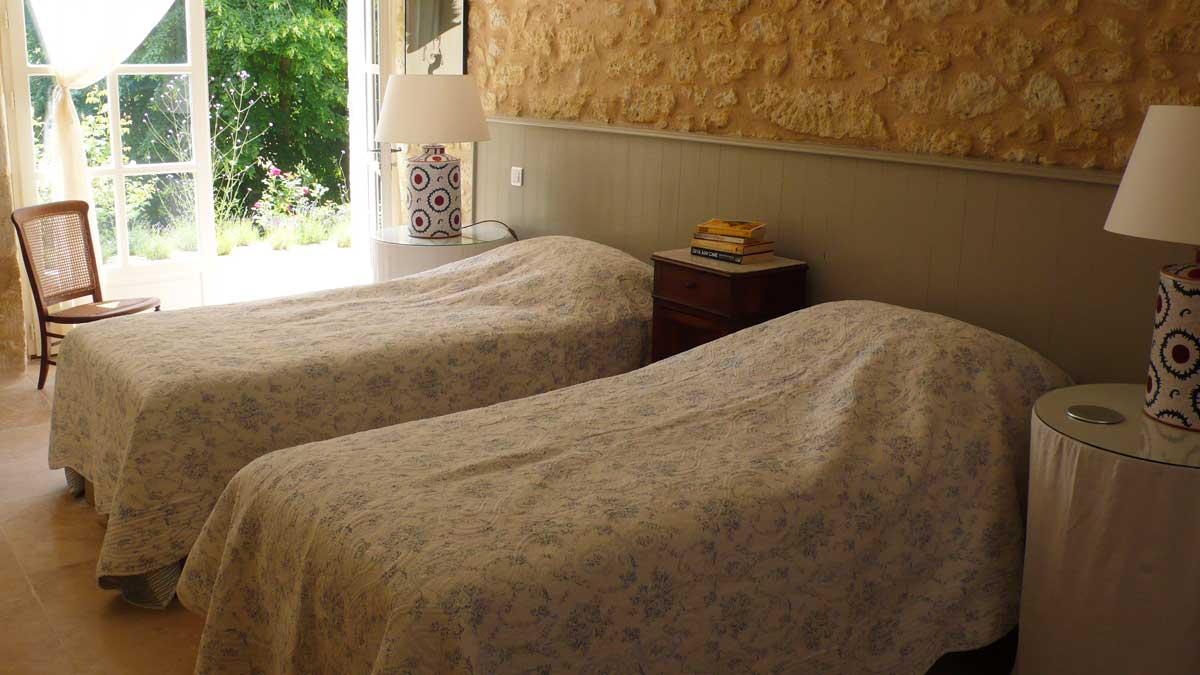 end-bedroom-001.jpg
