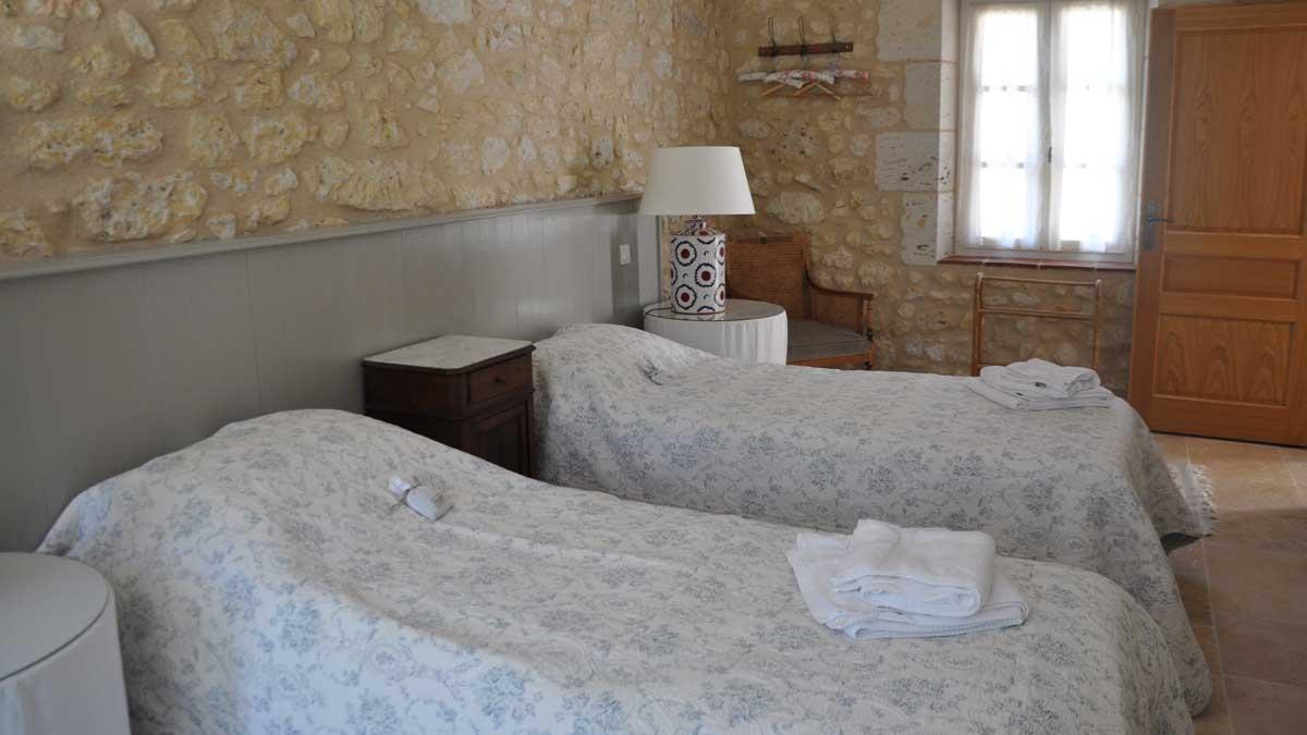 end-bedroom-004.jpg