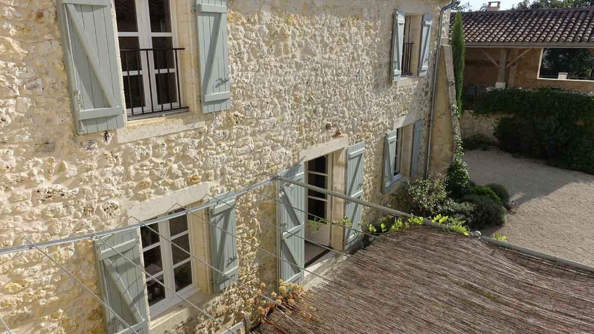 house-courtyard-02.jpg