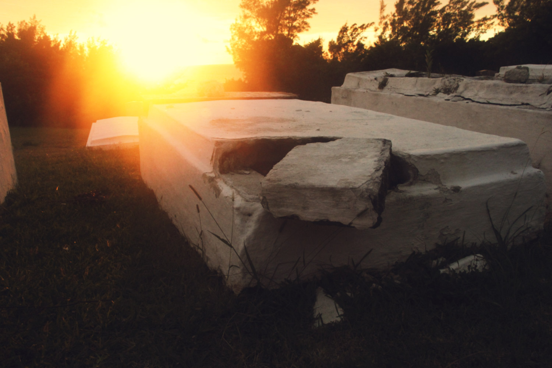 Bermuda-Grave.jpg