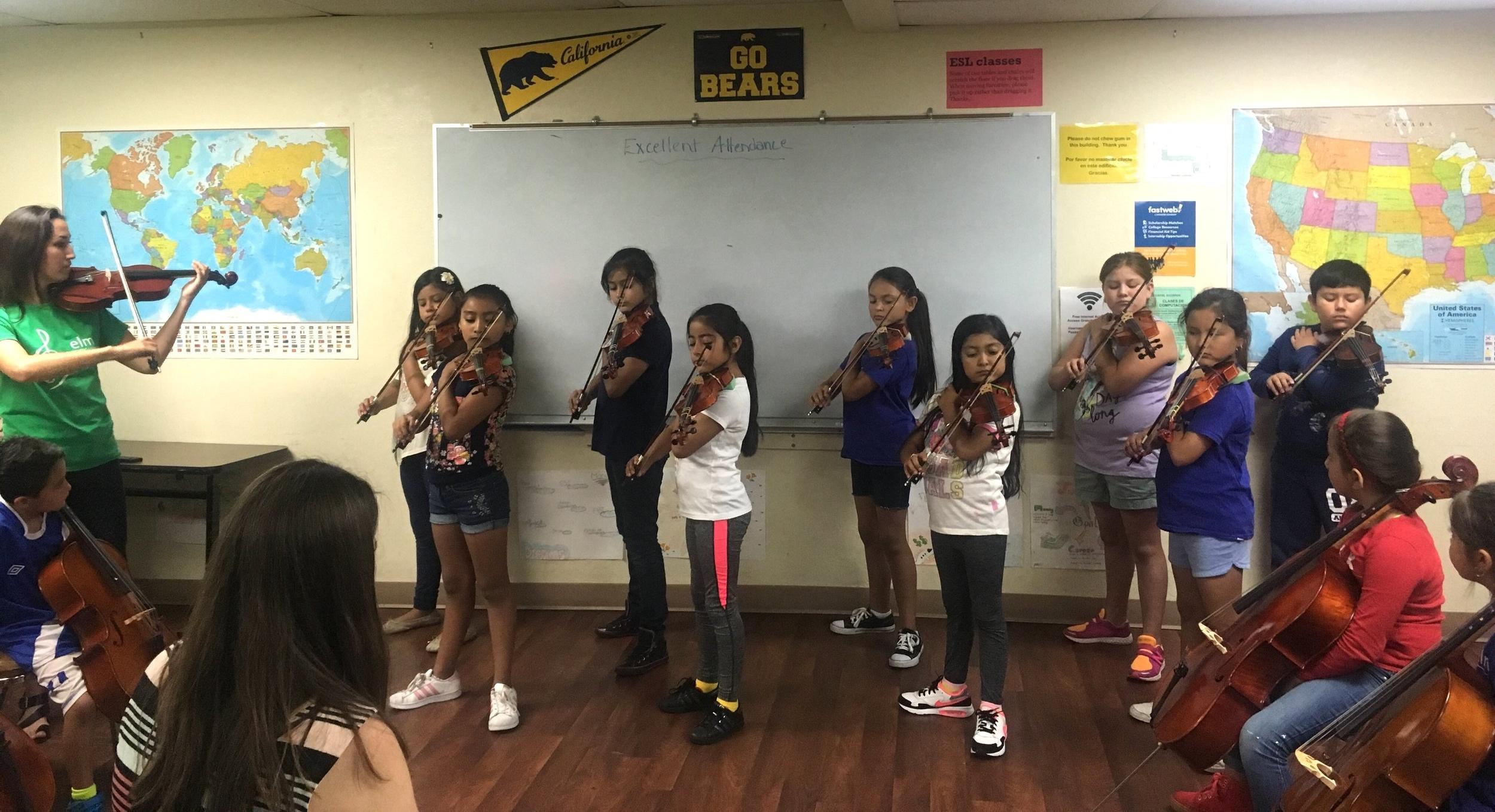 4th grade violin class.jpg