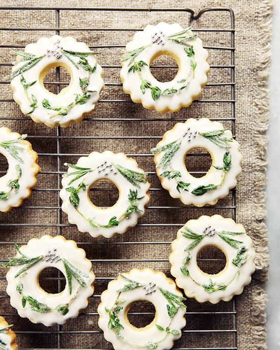 WreathCookies4WEB.jpg