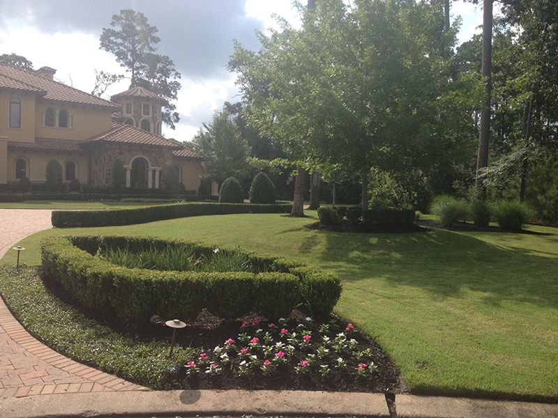 custom-landscape-design-designs-designer-the-woodlands-houston-cypress-conroe-montgomery-spring-lawn-care-maintenance-lighting-landscaping-company-best-top-#1-beds-seasonal-luxury-carlton-woods.jpg