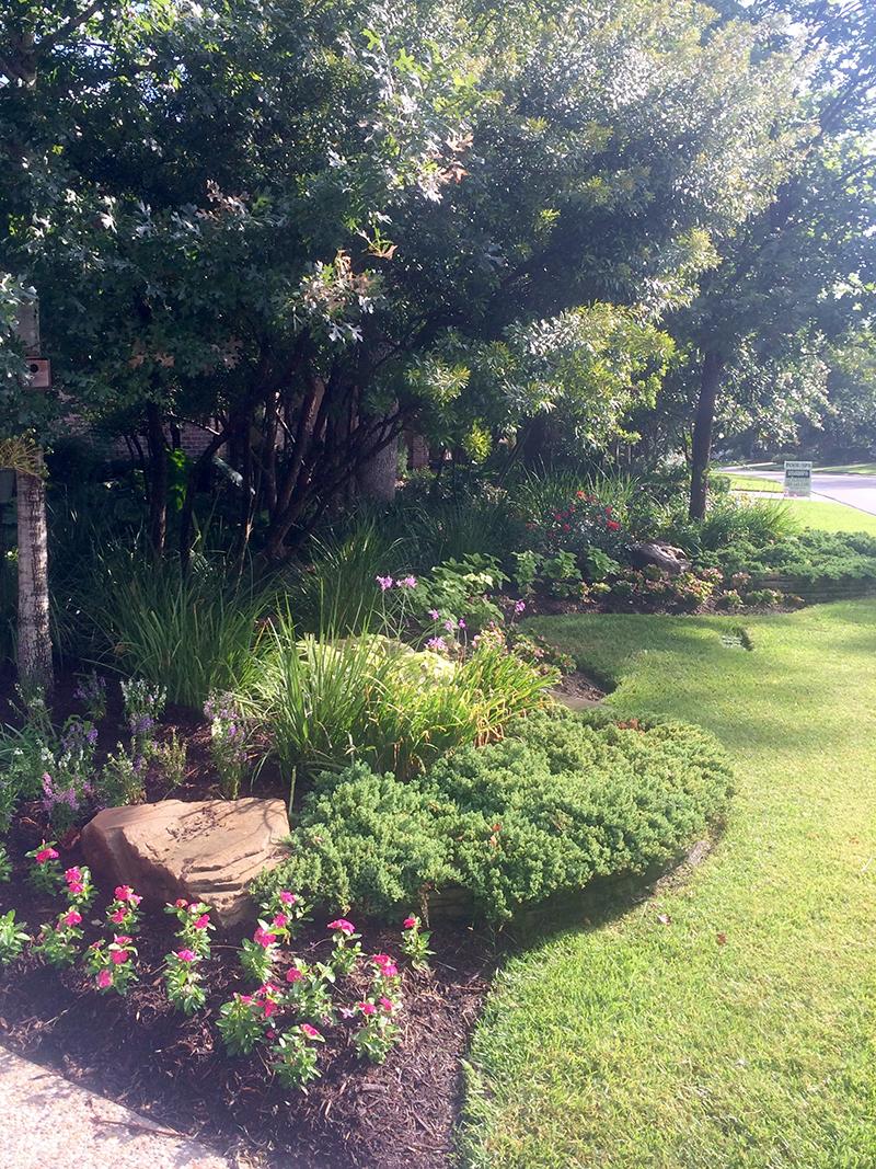 landscape-beds-stone-best-landscaper-the-woodlands,-tx-houston-top-montgomery-luxury-magnolia-trees-lawn-care-maintenance-mow-lawn-service-design-installation.jpg