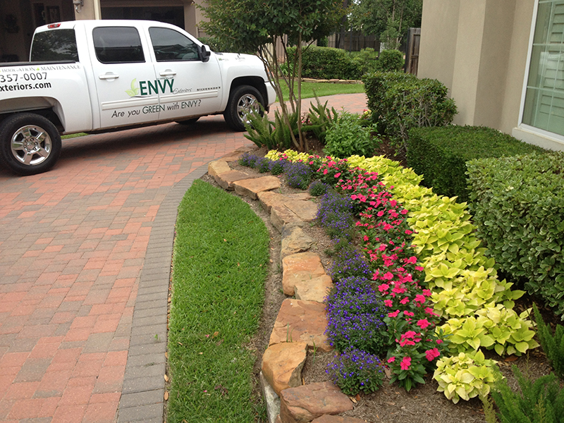 landscaper-the-woodlands-landscape-company-houston-magnolia-montgomery-spring-cypress-design-install-lawn-maintenance-lawn-care-irrigation-envy-exteriors-best-top-designer-landscaping-company-tomball-hufsmith.jpg