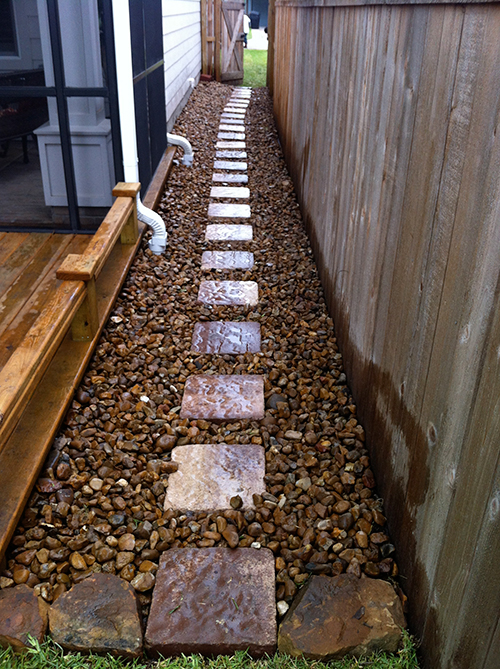 flagstone-stone-walkway-side-of-house-bullrock-wet-area-drainage-the-woodlands-build-install-spring-cypress-copnroe-best-envy.jpg