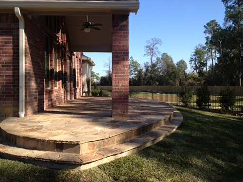 stone-patio-stairs-custom-design-builer-builds-installation-ideas-back-yard-slope-retaining-flagstone-designer-the-woodlands-houston-spring-magnolia-conroe-montgomery-cypress.jpg