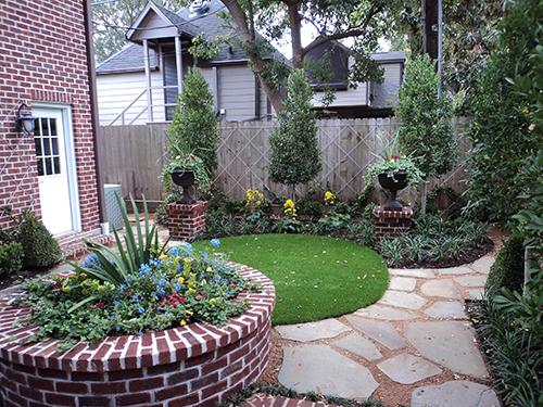 synthetic-lawn-courtyard--Houston-Texas.jpg