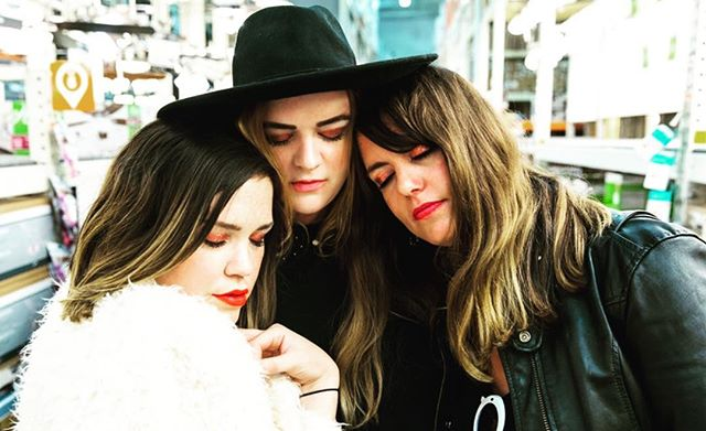 we're v v v v tired after @haimtheband last night. click link in bio RIGHT NOW, RIGHT NOWWWWW (get it or nah?) #ysf #shhhhh