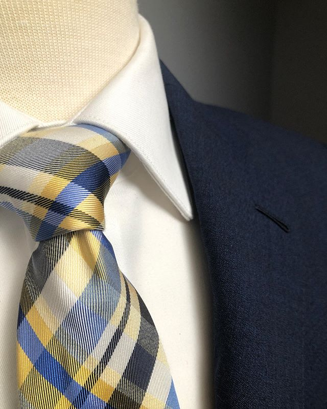 Recommendations are a big part of what we do.  We want you to always look your best, but that can mean different things for different people.  It depends on a lot of factors like age, style, personality, and body type to name a few. There isn't just one template for looking your best, that's why you come to the experts. #hudsonsuits #customsuits #bespokesuit #handmade #tailormade #nevercutcorners