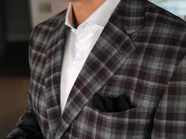 It's too hot to wear a tie in the summertime, but you can still keep the jacket if it's specifically constructed for the summer.  We make summer sport jackets that are unstructured, uncanvassed, and unlined for the lightest weight and breathability possible. Reach out to us to get yours. #hudsonsuits #summerjacket #nevercutcorners #customsuits #bespokesuit #handmade #tailormade #sportjacket