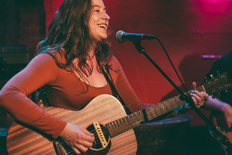 (live at Rockwood Music Hall, NYC // © Leonardo Mascaro)