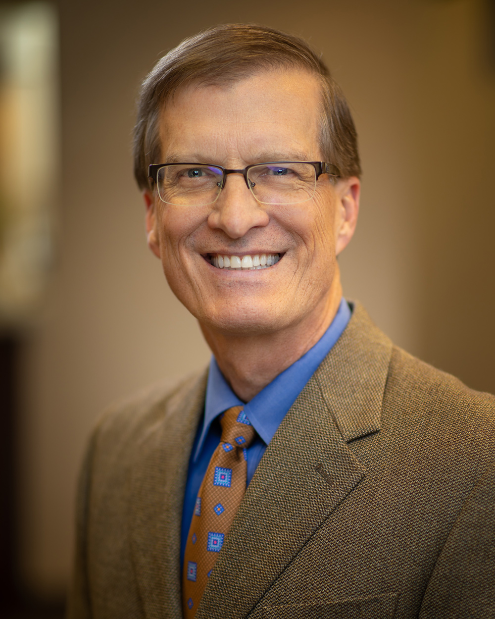 Dr. Steven Lorentzen, DDS - Dr. Lorentzen is renowned for his cosmetic and restorative dentistry. A UofM Alumni his passion is providing unrivaled dentistry using the latest technology and personal artistry.