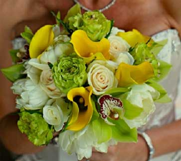 rose and yellow calla lily bridal bouquet.jpg