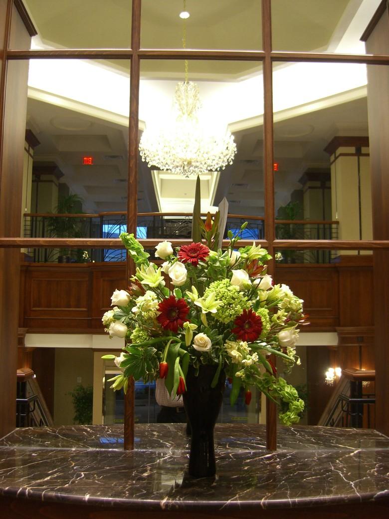 Fresh Flowers Gift Baskets Indoor Plants Flower Arrangements For Hotels Chelsea Floral Designs