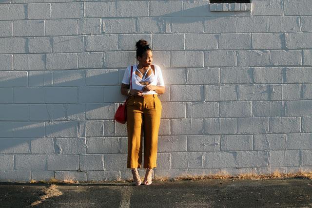 5-2020-ave-deep-scoop-neck-tee-forever-21-mesh-bra-womens-fashion.jpg