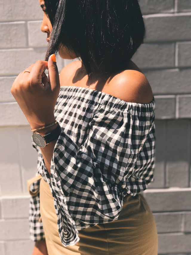 who-what-wear-collection-for-target-gingham-check-off-the-shoulder-blouse-ruffle-wrap-skirt-round-straw-handbag-5.jpg