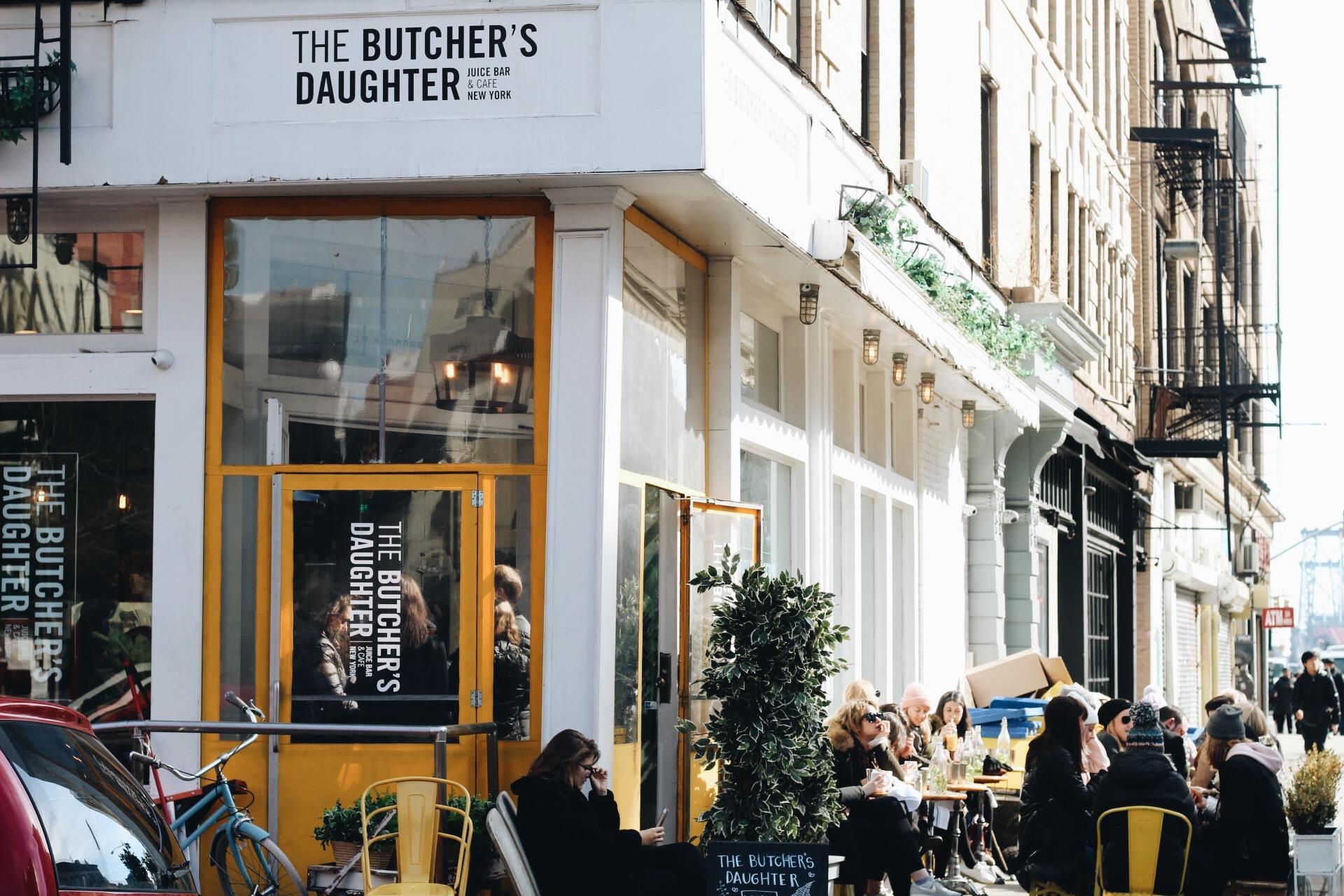 Soho-NYC-Cafe-integral-egg-shop-asos-trench-turtleneck-maxi-dress-hue-tights-patent-bucket-bag-6.JPG