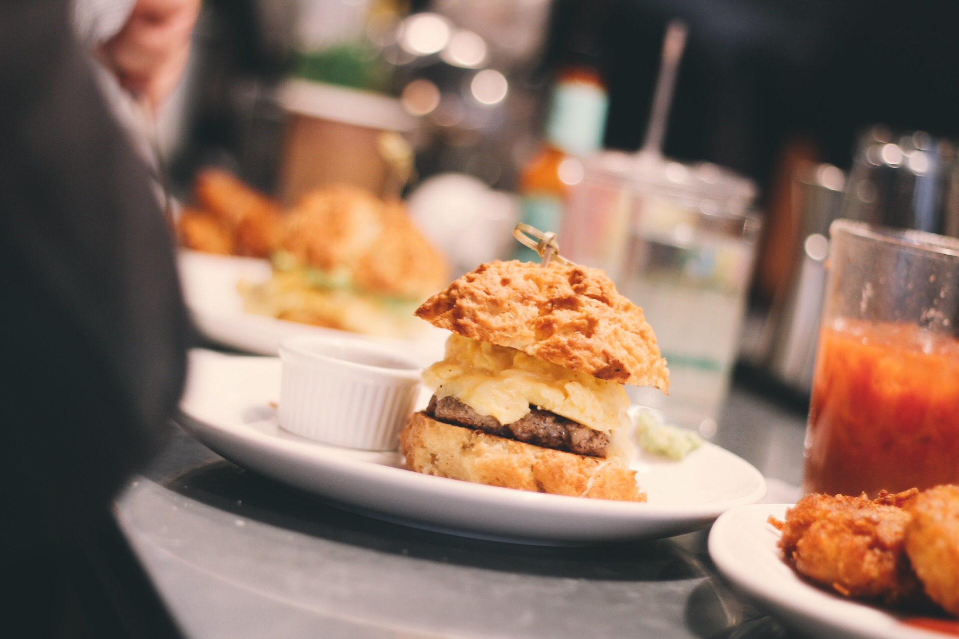 Soho-NYC-Cafe-integral-egg-shop-asos-trench-turtleneck-maxi-dress-hue-tights-patent-bucket-bag-9.JPG