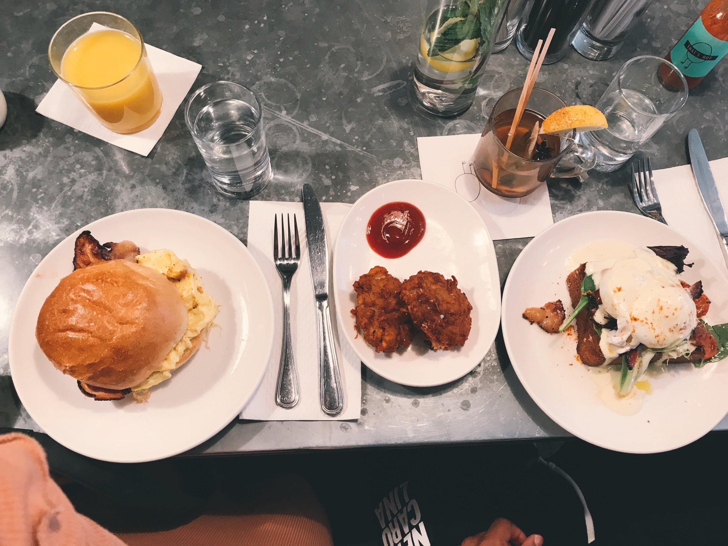 Soho-NYC-Cafe-integral-egg-shop-asos-trench-turtleneck-maxi-dress-hue-tights-patent-bucket-bag.JPG