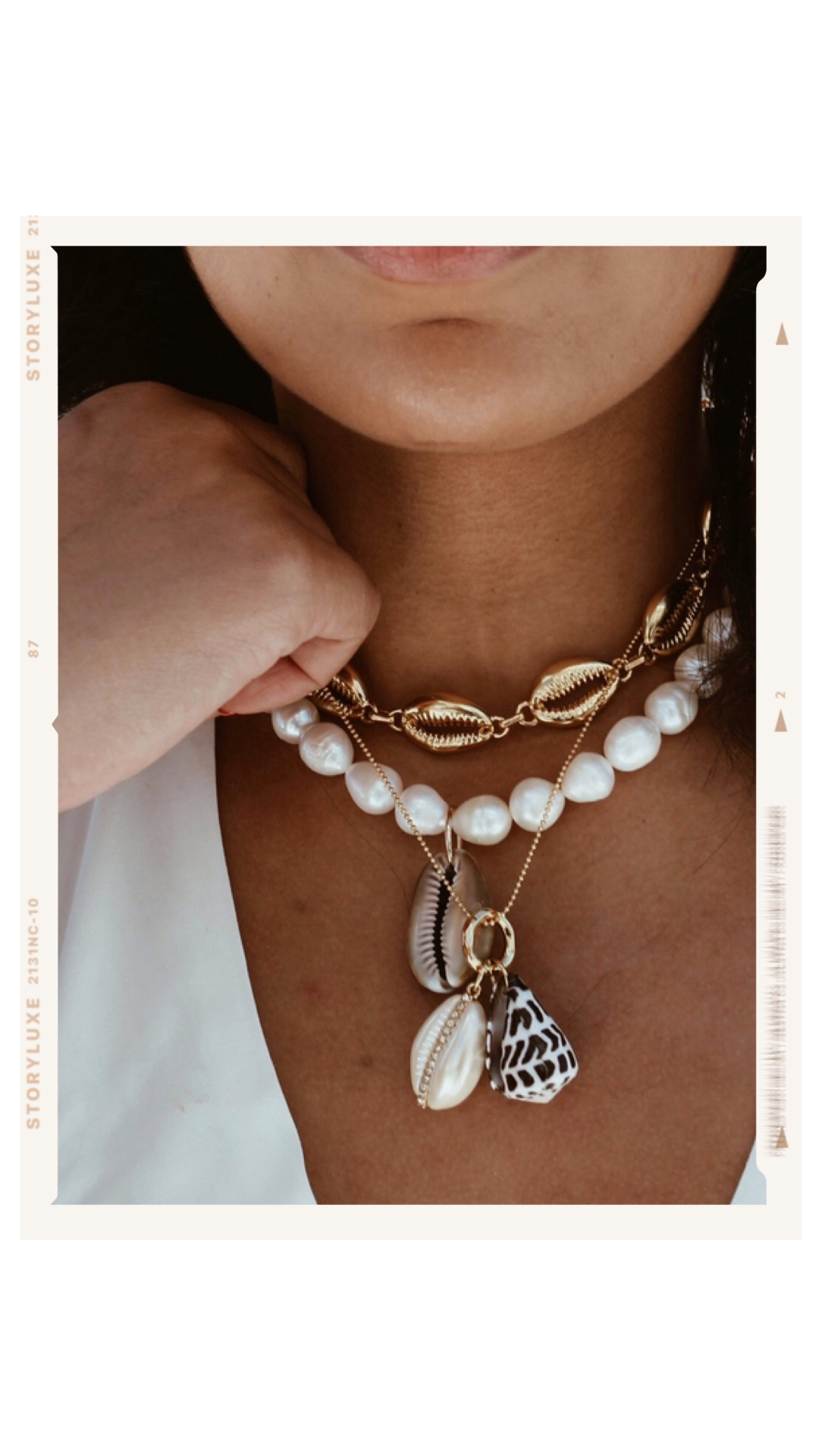 Robinson-Style-bauble-bar-shell-necklace-layering-accessories-trends.JPG