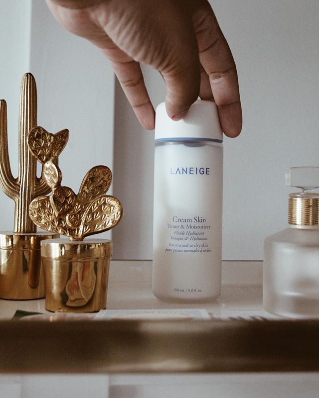 Whoever thought you could have a product that preps and softens your skin while hydrating it, too? With the new @laneige_us Cream Skin Toner & Moisturizer, you can have it all! #ad #LANEIGEDreamers #hydratewithLaneige