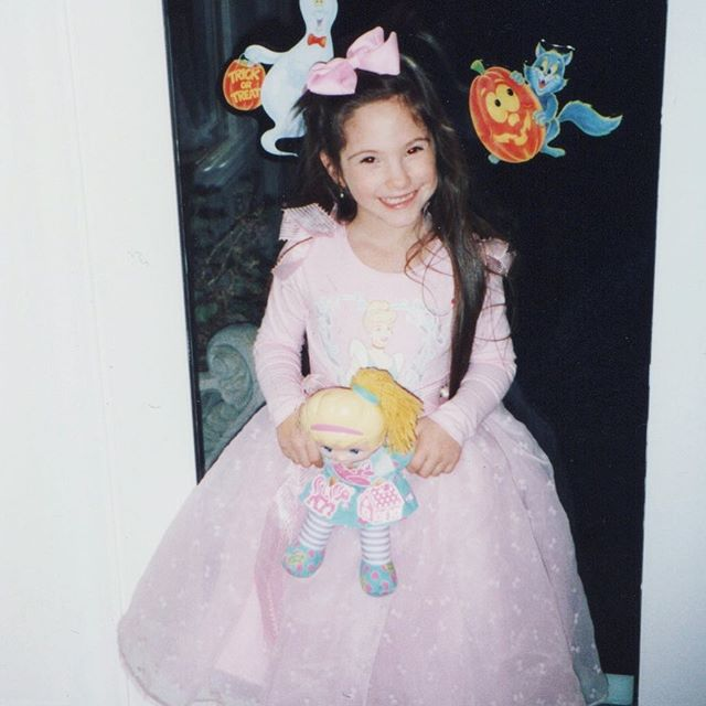 🎀🎀🎀🎀🎀 • #throwbackthursday #tbt #prettyprettyprincess #dressup #halloween #90s #retro #pink #bow #disney #princess