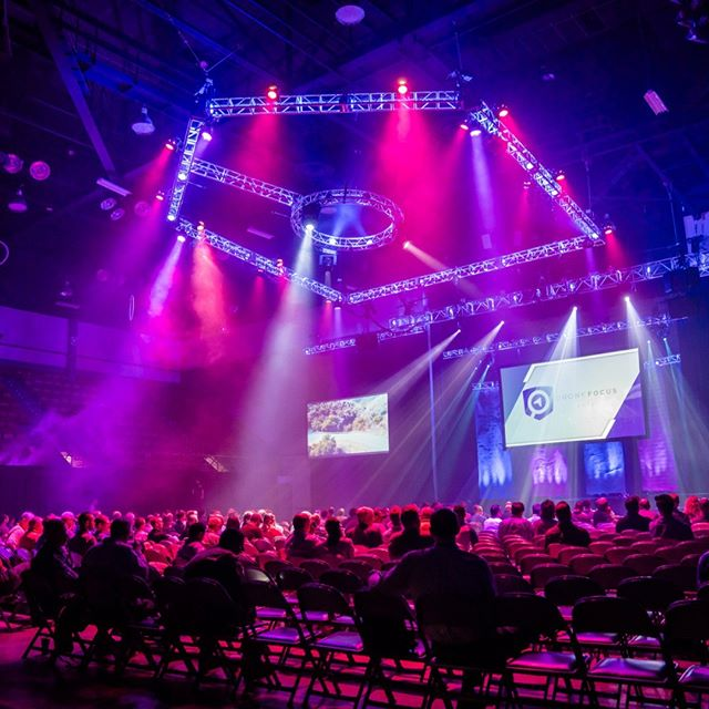 Appears I cooked the hazer a bit much before doors opened at Drone Focus back in May of 2018 . . . #lightingdesign #corporatelighting #corporateevents #corporateevent #dronefocus #drones #corporate #haze #dronefocuscon18 #martin #glp #corporatelightingdesign #eventdesign