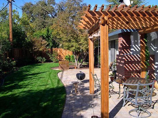 LeHoty-trellis-and-backyard.jpg