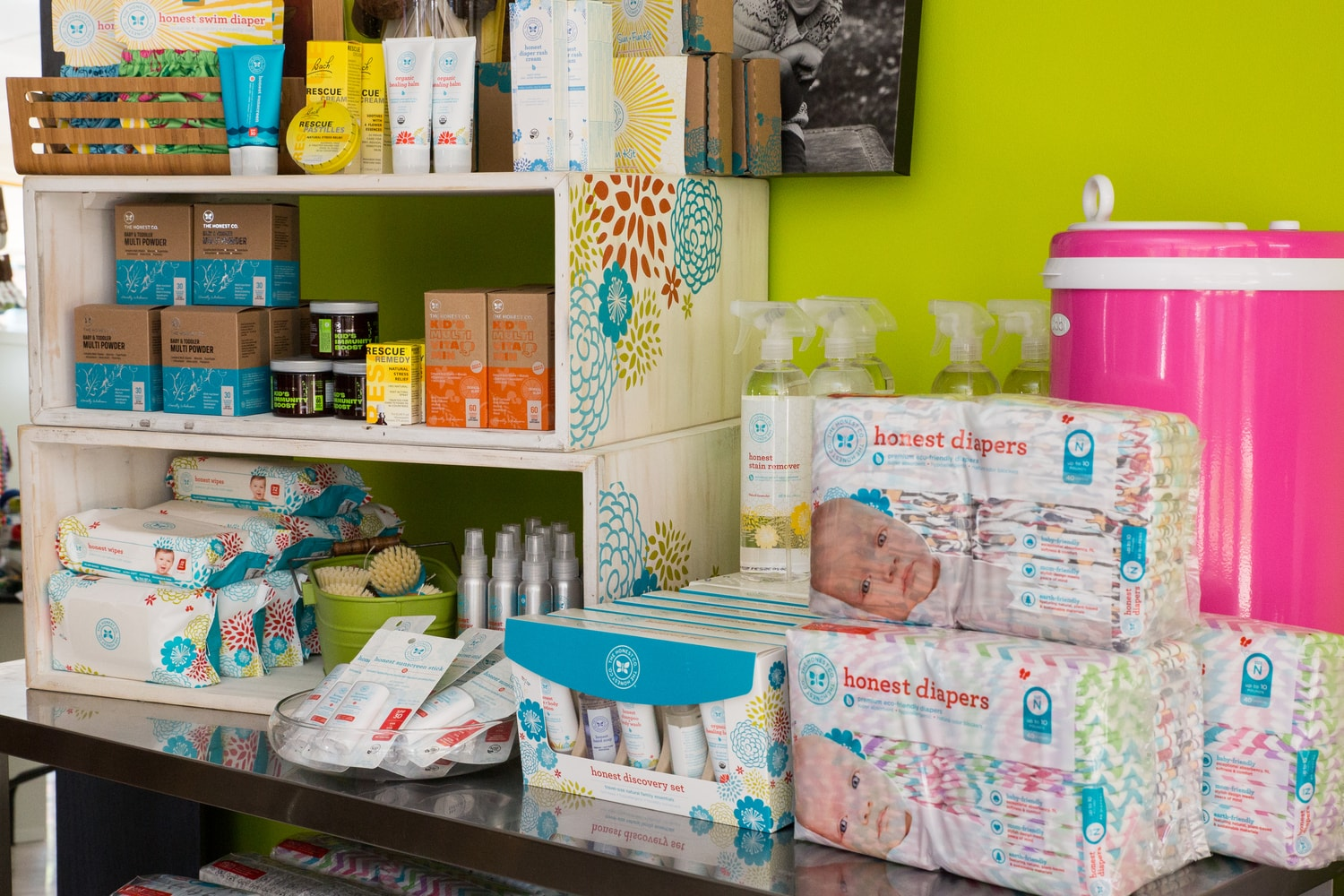 Premium Organic Diapers and Accessories | mama 'hood Maternity Store Denver & Boulder, CO