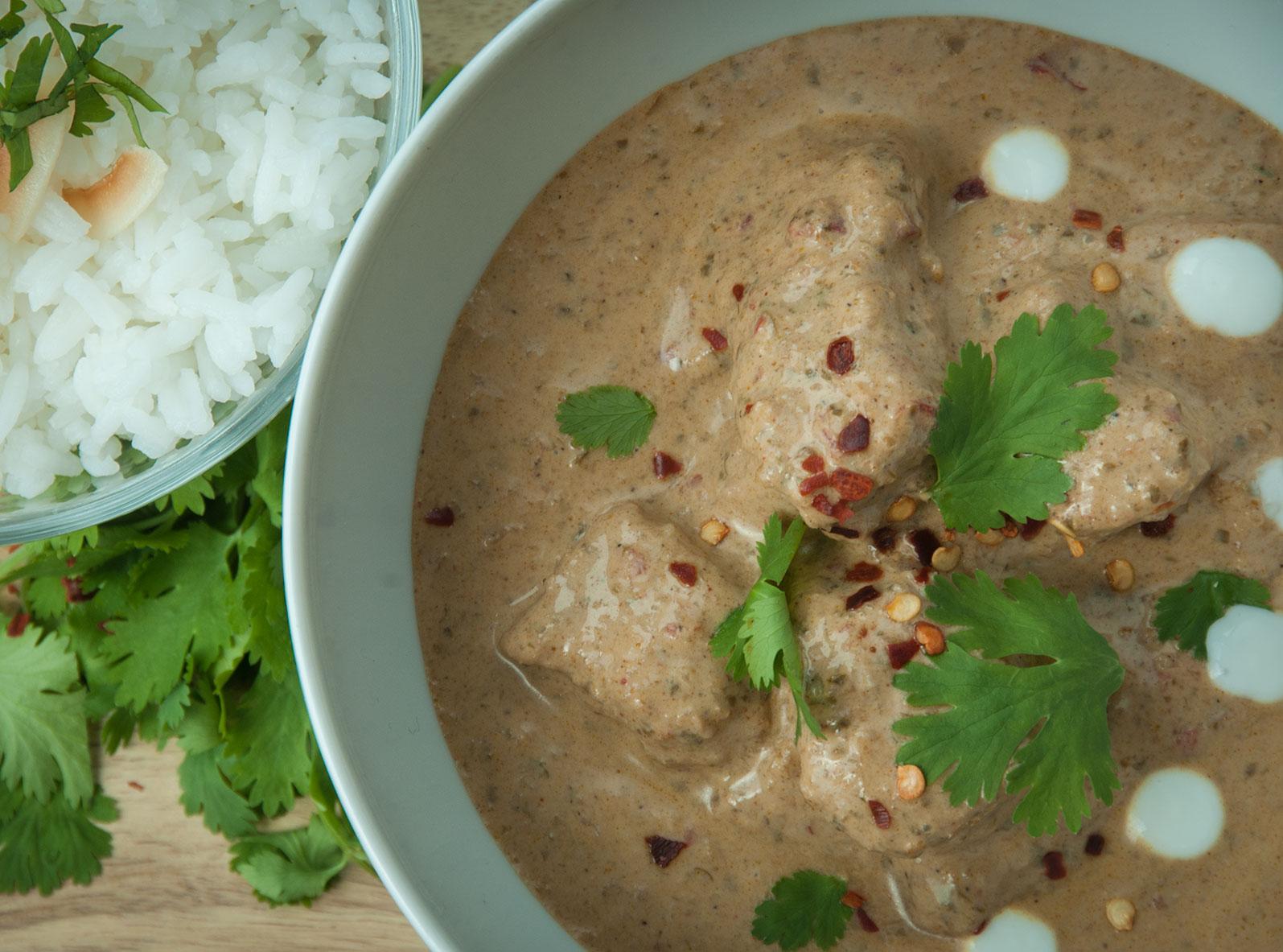 penaeng chicken curry