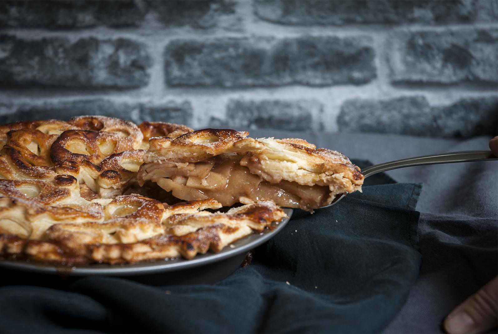 fortune-telling apple pie