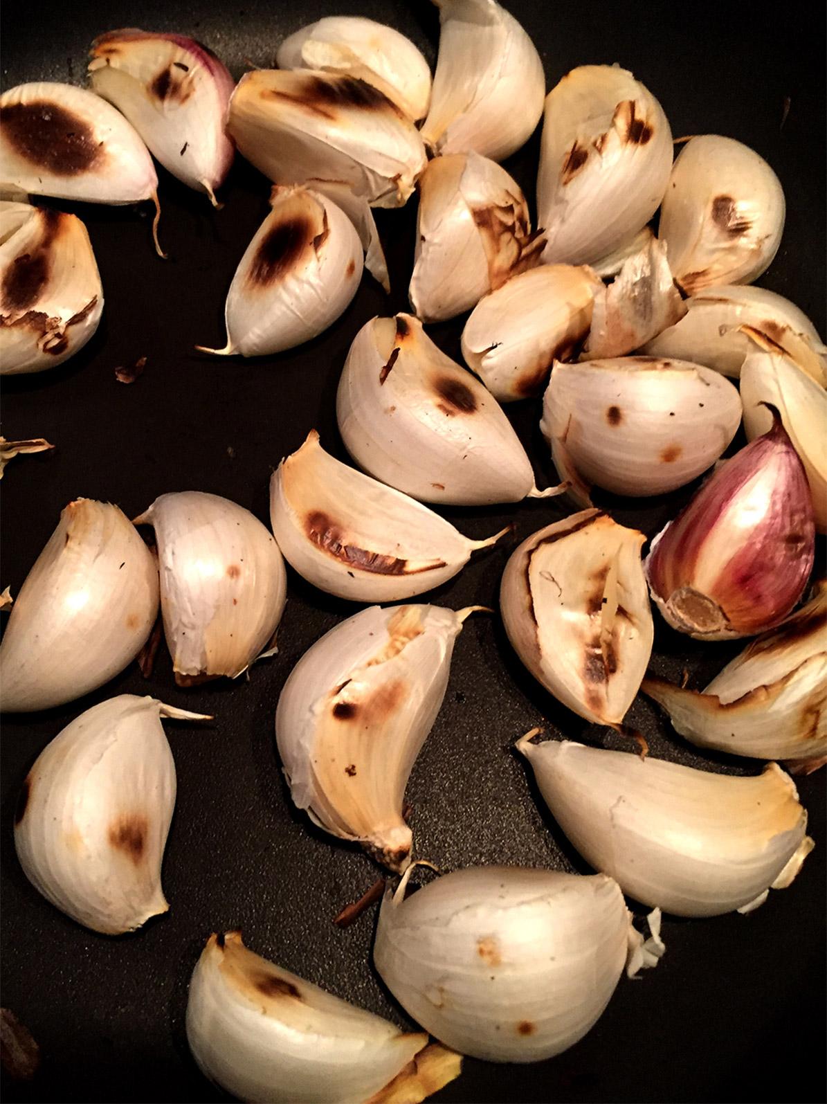 roasting the garlic cloves