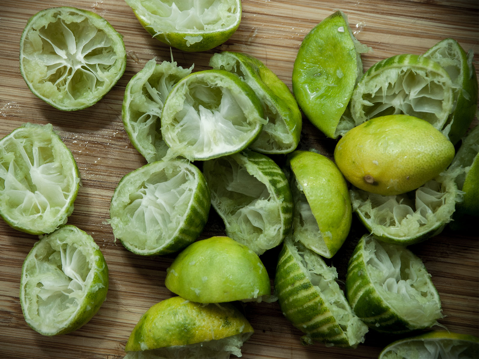 it takes a lot of squeezing to get 120ml juice from authentic small key limes...